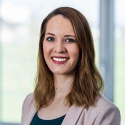 Linda Huber - Finance & HR bei Adcom